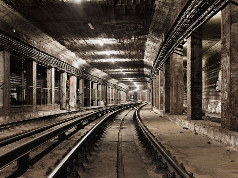 timo_stammberger_undergound_landscapes_subway_tunnel_tracks_railway_metro_budapest_2261-1707x1280